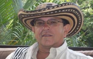 Jorge Humberto García, transferencia de conocimiento, Hacienda El Rancho, 7 hembras por hectárea, indicadores sobresalientes, manejo de la información, cálculos matemáticos, pastoreo racional de Andre Voisin, CONtexto Ganadero, noticias de ganadería colombiana.