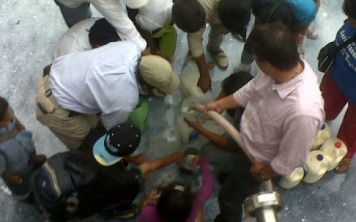 Ganaderos de Antioquia regalan leche en Medellín
