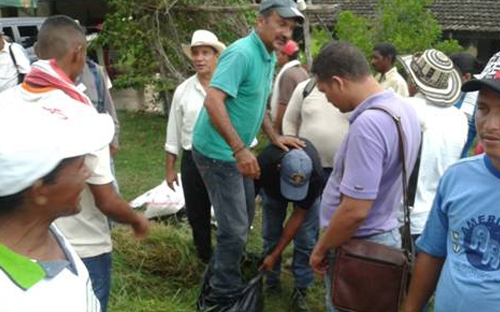 Día de Campo PAB Pivijay (Magdalena). Ganaderos capacitándose en métodos de conservación de forraje.