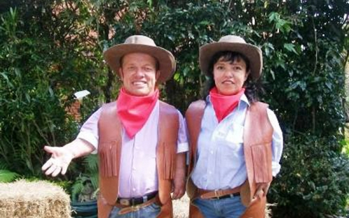 Enanos toreros en Colombia.