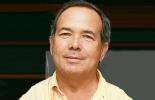 Es ingeniero civil del partido Alianza Social Independiente, ASI.