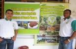 Luis Rondón, estudiante de noveno grado y el docente David Hernández, expositores del proyecto. Foto: Corpoguajira.