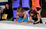 La ministra de Transporte, Cecilia Álvarez-Correa Glen y la alcaldesa de Barranquilla, Elsa Noguera, en la firma del convenio.