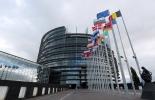 La Unión Europea (UE) firmó acuerdos comerciales en 2000 con México, en 2002 con Chile y desde 2004 las negociaciones con los países del MERCOSUR se encuentran estancadas.