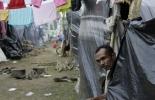 Los damnificados viven en cambuches hechos con plástico, cartón y fique.