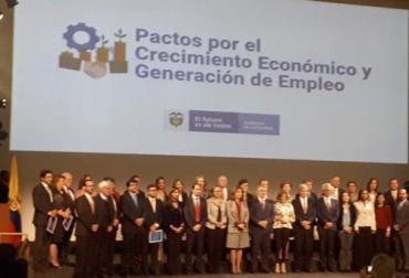 Pactos por el Crecimiento, pactos por el empleo, iniciativa del Gobierno Nacional, apoyo al emprendimiento, fortalecimiento a la producción