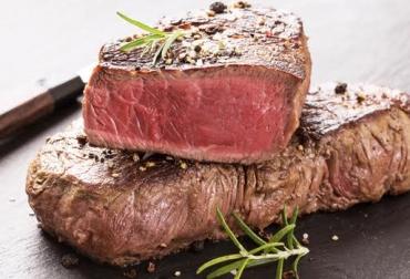 b1ca00689 Se puede asociar la carne roja con un alimento que está fuera del límite.  Comer carne roja se ha desaprobado porque muchos cortes son altos en  colesterol y ...