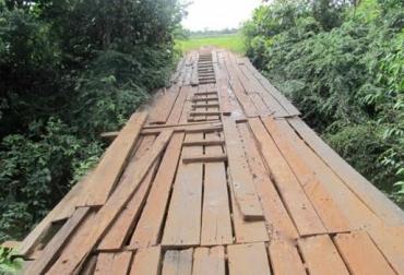 Vías terciarias, vías secundarias, puentes, movilización, transporte de ganado, Guaviare