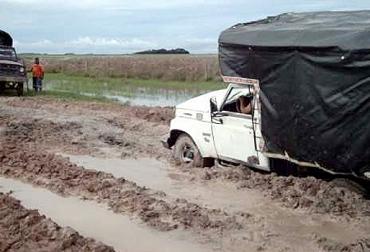 Vías terciarias, vías secundarias, mal estado de vías, vía Cravo Norte - Arauca, aumento de costos de producción, ganaderos afectados, CONtexto ganadero