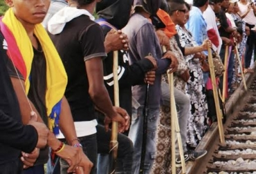 Indígenas se roban el ganado en Albania, Wayú andan armados, ganadero duerme con su ganado para evitar que se lo roben, ganadero víctima de indígenas, arrean el ganado y escogen reses, indígenas tienen legislación independiente, CONtexto Ganadero, noticias de ganadería colombiana.