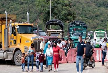 Ganadería, ganadería colombia, noticias ganaderas, noticias ganaderas colombia, CONtexto ganadero, Ganaderos de Antioquia, Magdalena Medio, ganadería del Magdalena medio, bloqueos, paro, paro en Colombia, bloqueos en colombia