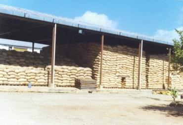 En las bodegas los ganaderos encontrarán alimento para épocas de sequía.