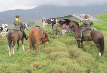Patrullaje rural en Colombia