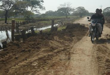 El pésimo estado de las vías, un obstáculo para los ganaderos colombianos
