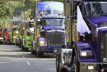 transportadores de carga, transporte de carga, transporte de carga en colombia, camioneros colombia, cruzada camionera, CONtexto ganadero, orlando ramírez valencia, incumplimentos gobierno paro transportador, ganadería colombia