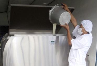 Acopio formal leche Colombia enero 2018, Acopio formal leche, producción leche Colombia enero 2018, producción leche Colombia 2017, acopio formal leche 2018, importaciones leche colombia noticias, importaciones de leche en polvo colombia, precio pagado al productor 2018, importaciones de leche en polvo aranceles, importaciones de leche en polvo tlc, CONtexto ganadero, ganaderos colombia, noticias ganaderas colombia