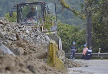 Colombia, vía al llano, el cierre de la vía Bogotá – Villavicencio apertura, de la vía, perdidas económicas, IDEAM, invierno, CONtexto ganadero, economía