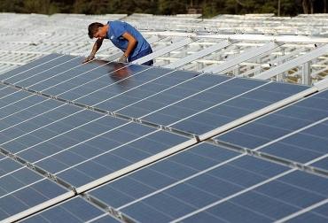 Paneles solares para generar energías renovables