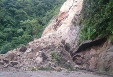 derrumbes en Colombia, época invernal, Lluvias en Colombia, transición de verano a invierno, afectaciones en sector ganadero, movilización de Ganado, tala de árboles