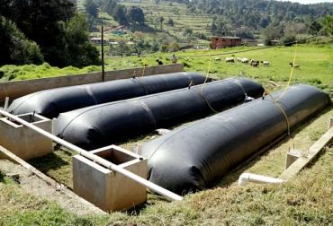 Biodigestores en Colombia, biodigestor finca Sabana Bogotá, biodigestores Sistema Biobolsa, ventajas biodigestores, beneficios biodigestores, beneficios económicos biodigestores, biodigestores en ganaderías, CONtexto ganadero, ganaderos Colombia