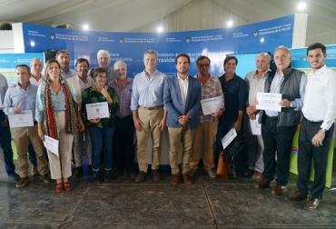 Argentina, Acuerdos firmados con Universidades, empresas y asociaciones llevará tecnología a escuelas agropecuarias, Casa Rosada, Contexto ganadero, noticias ganaderas, sector agropecuario