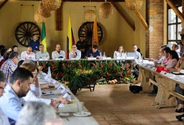 Colombia, programas implementados por el MADR, la apuesta es que el Producto Interno Bruto (PIB) crezca más de 4% anual, Ministro Andrés Valencia Pinzón, Coseche Venda a la Fija, Plan de Ordenamiento de la Producción, estrategia '360 Grados', Contexto ganadero, noticias ganaderas, políticas agropecuarias del gobierno