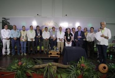 Ganadería, ganadería colombia, noticias ganaderas, noticias ganaderas colombia, CONtexto ganadero, ministerio de ambiente, ricardo lozano, Instituto Amazónico de Investigaciones Científicas, SINCHI, estrategia regional para la lucha contra el cambio climático y la deforestación de la Amazonía, Programa de las Naciones Unidas para el Desarrollo, cambio climático, deforestación, deforestación amazonía, embajada de noruega, Programa de Naciones Unidas para el Desarrollo,