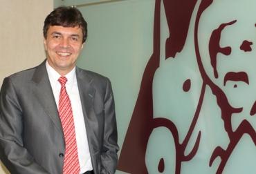 Roberto Vélez, Roberto Vélez Vallejo, gerente general de la Federación Nacional de Cafeteros de Colombia, Federacafé,